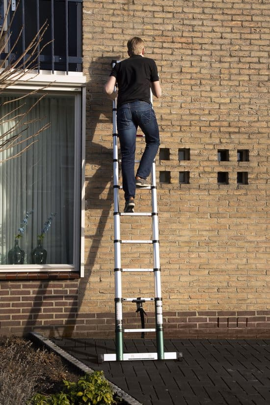 VONROC Professionele Telescopische ladder – 3.8m – met softclose & dwarsbalk – Veilig & solide
